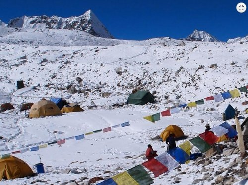 Baruntse Base Camp 5300m.
