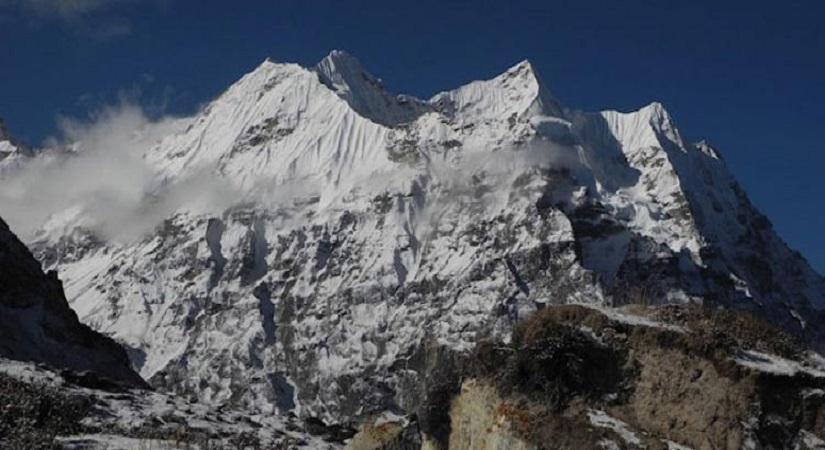 Bokta Peak (6143m/20149ft), covered with white snows