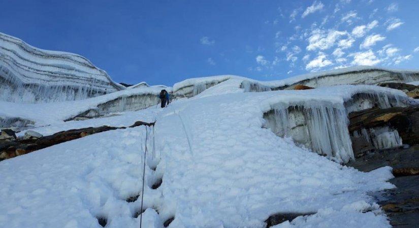 Climbing at Abi Himal