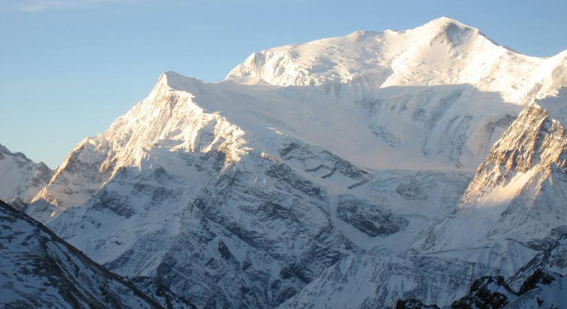 Snow topped Mt. Gangapurna (7455m/24452ft)