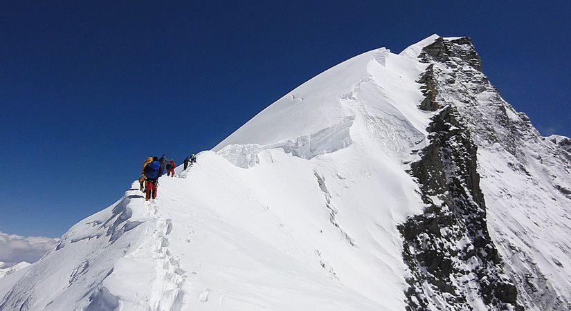 Climbing Himlung Himal