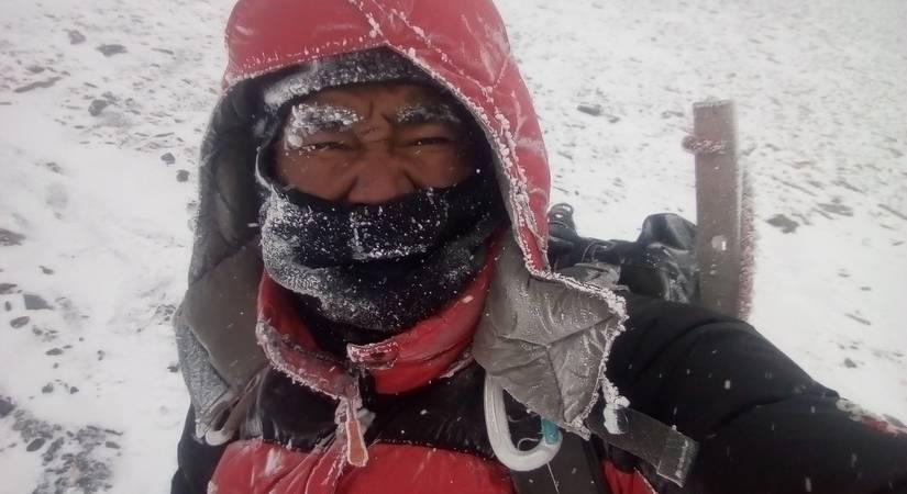 Snow-fall at Mt. Amadablam