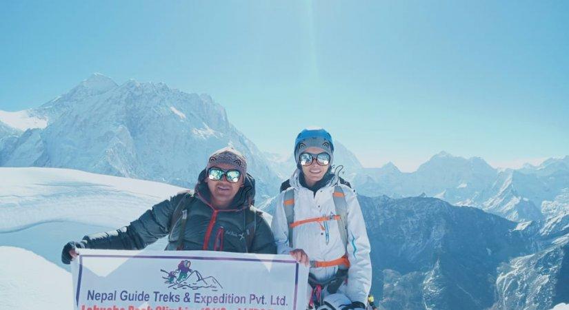 Lobuche Peak Climbing 6119m