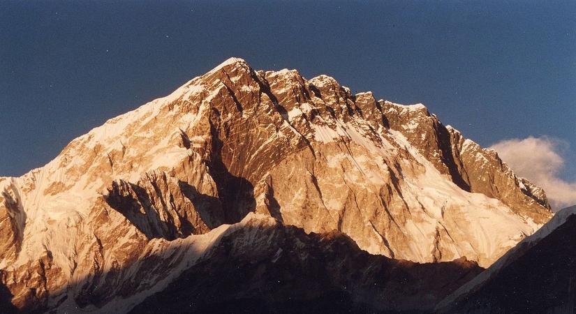 Mt Nuptse (7861m/25784ft)