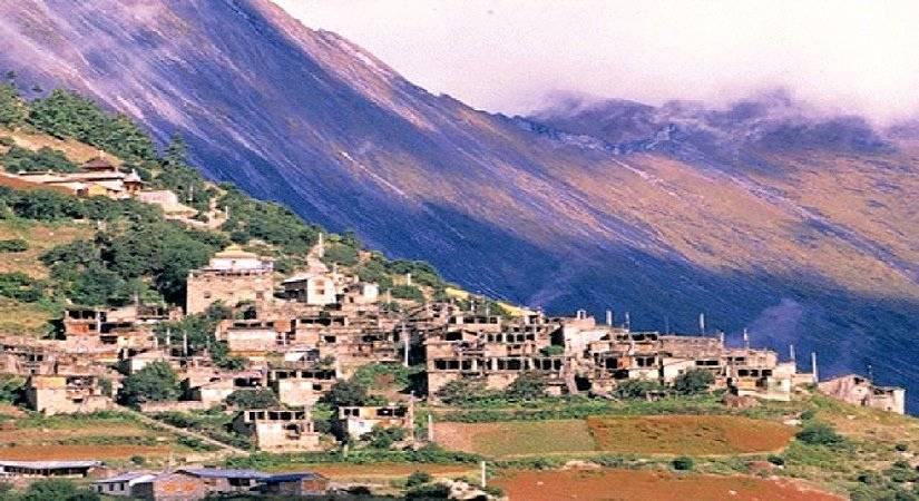 Upper Pisang Village (3700m/12136ft)