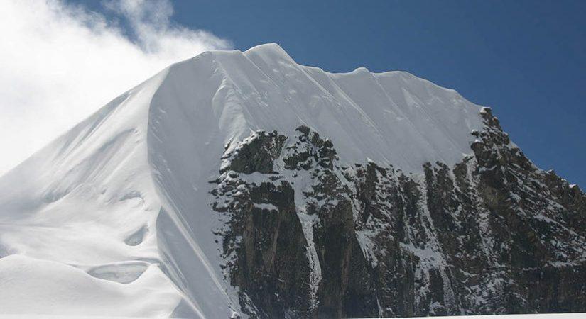 Tharpu Chuli Peak (5663m/18579ft)