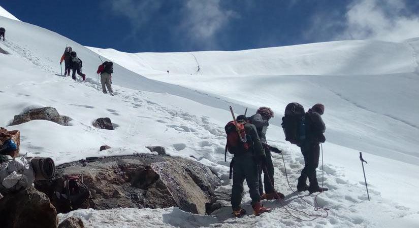 On the move to achieve Tilicho Peak Photo taken near Tilicho Peak Base Camp (4800m/15744ft)