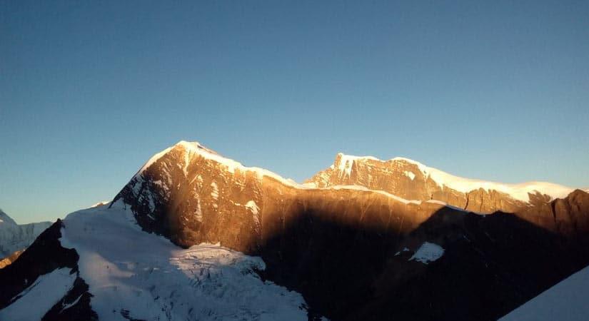 Chulu West Peak (6419m/21054ft)