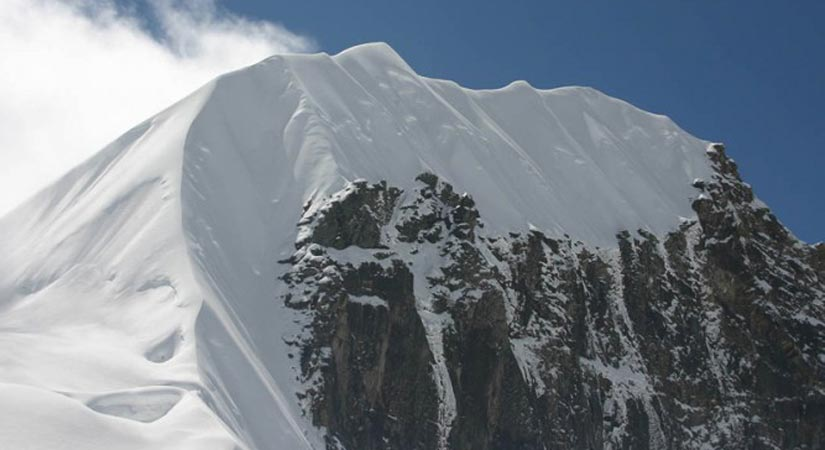 View of Tharpu Chuli (5500m/18044ft)