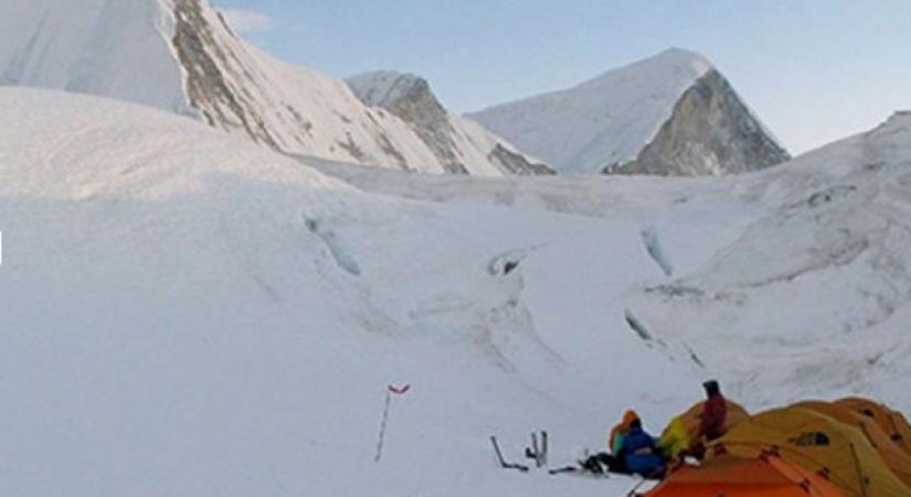 Yala Peak Base Camp 4600m