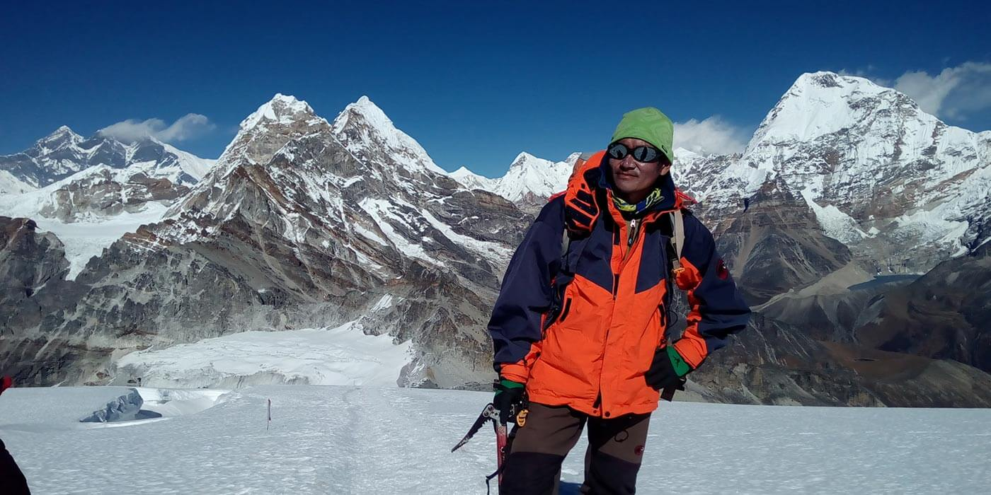 Lobuche peak summit banner 1 1