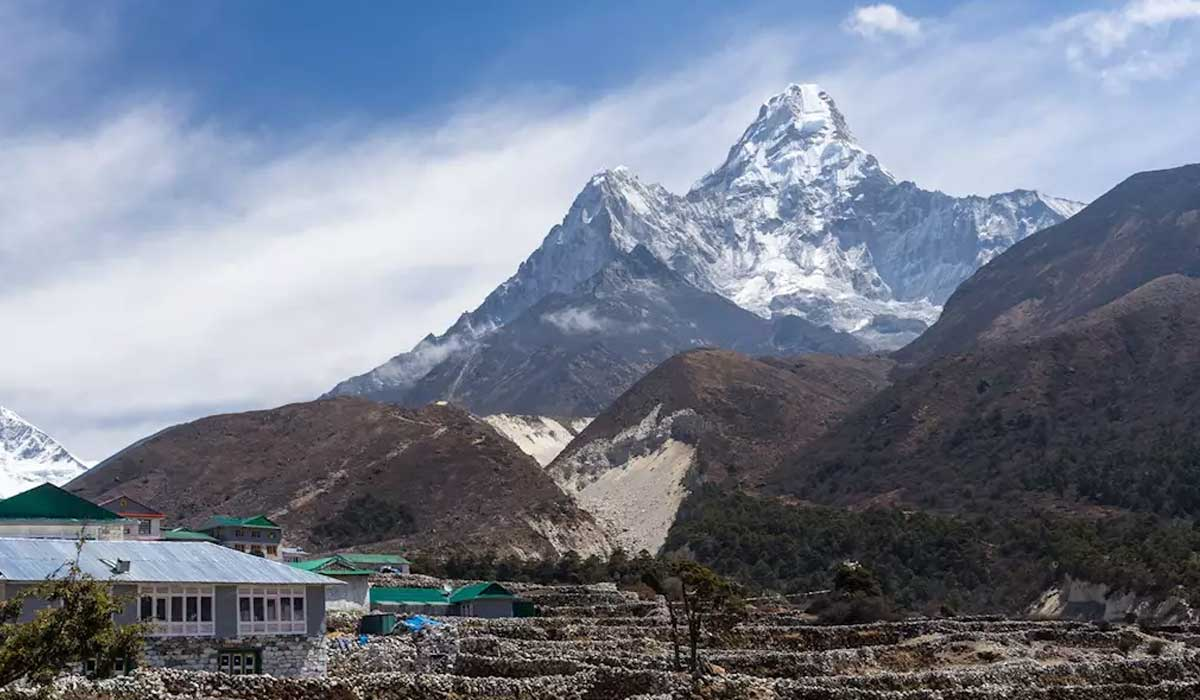 Pangboche to Ama Dablam Base Camp