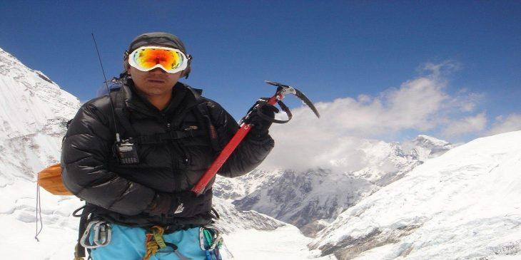 Everest Climbing in Fall Season